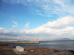 絵島から明石海峡大橋の風景